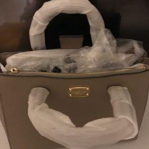 Handbags - NEW w/ tags Michael Kors Bag